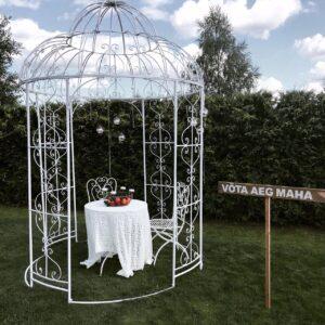 Metallist romantiline paviljon