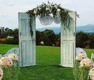 Vana täispuidust uks